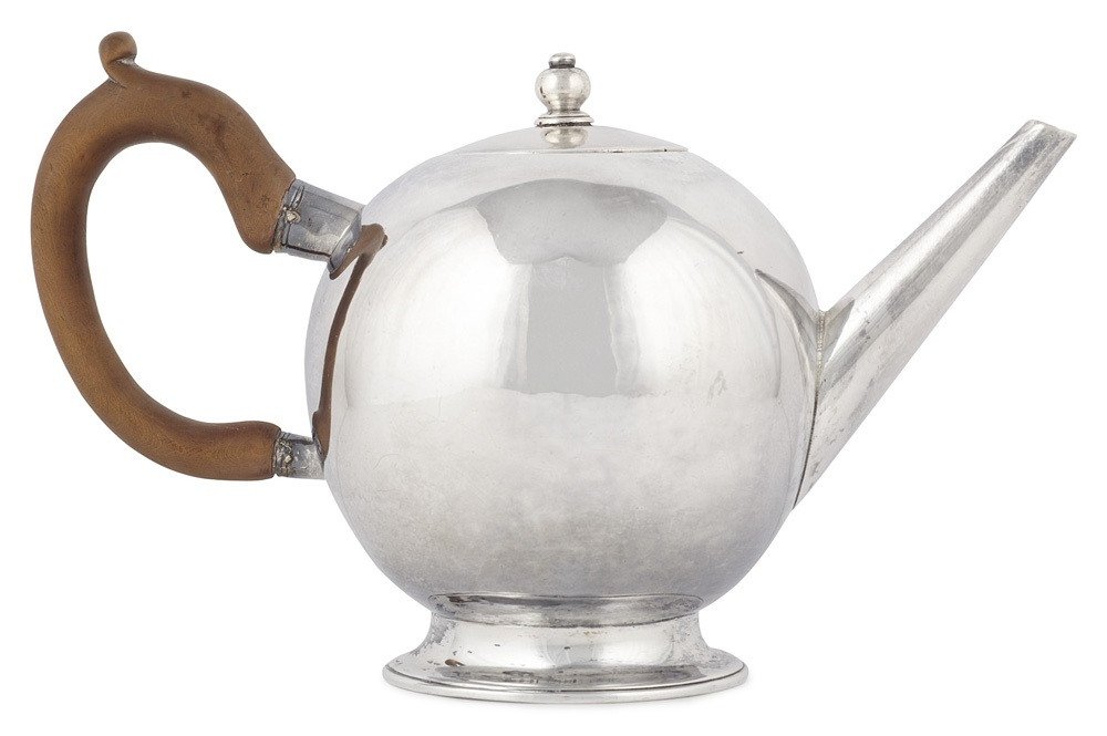 ScottishSilverGeorgeIBulletTeapot