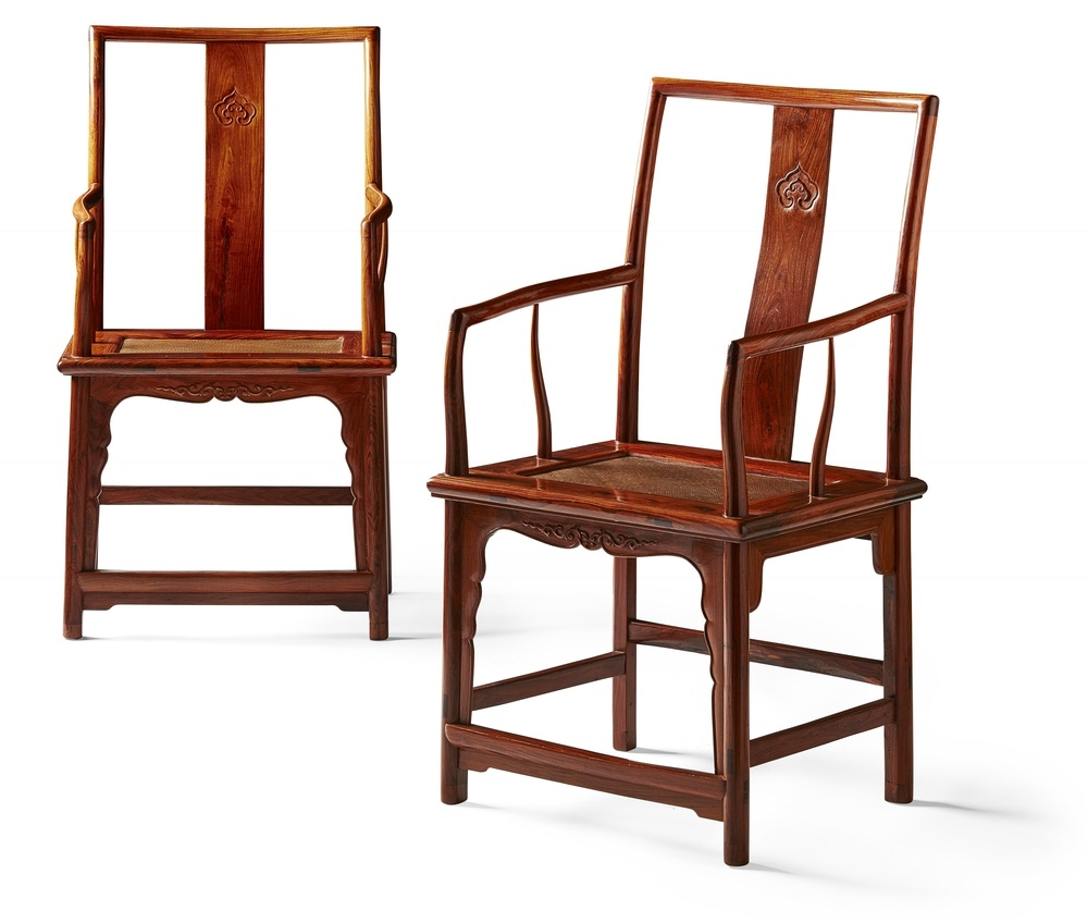 RARE PAIR OF HUANGHUALI 'SOUTHERN OFFICIAL'S HAT' CHAIRS