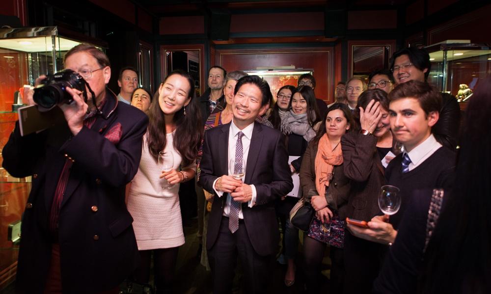 Toby Bull's audience at Hakkasan