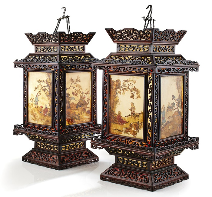 PAIR OF ZITAN AND REVERSE-PAINTED GLASS HANGING LANTERNS | QING DYNASTY, 18TH-19TH CENTURY