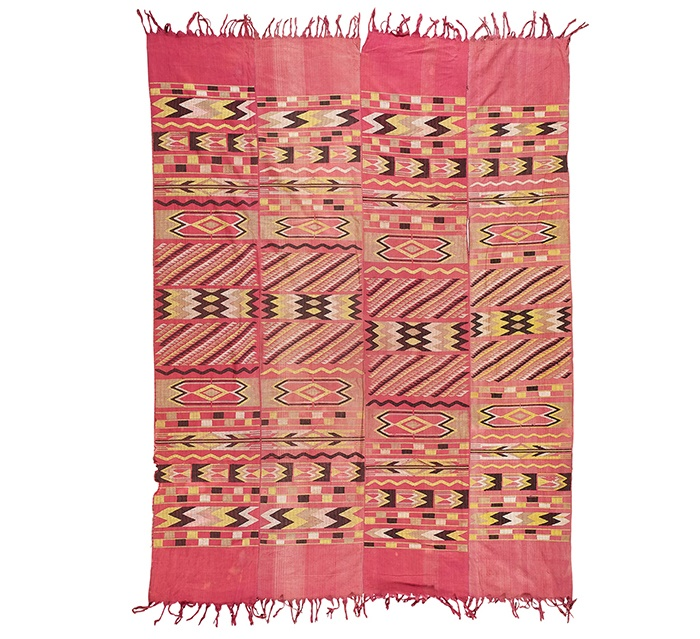 LOT 199 | YORUBA MANS WRAPPER CLOTH, ASO OLONA | NIGERIA hand and machine spun cotton, four panel weave 240cm x 179cm | £400 - £600 + fees  Provenance: The Keir McGuinness Collection of African Textiles Published: Clarke, D. 2015. African Textiles, London: Prestel Publishing. p. 149.