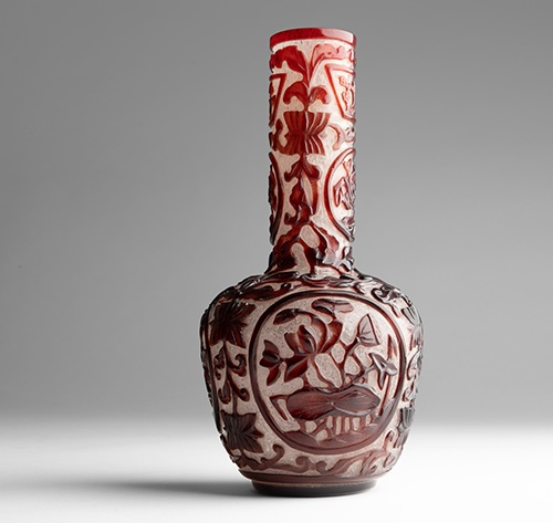 LOT 149 | IMPERIAL RED-OVERLAY TRANSLUCENT GLASS BOTTLE VASE