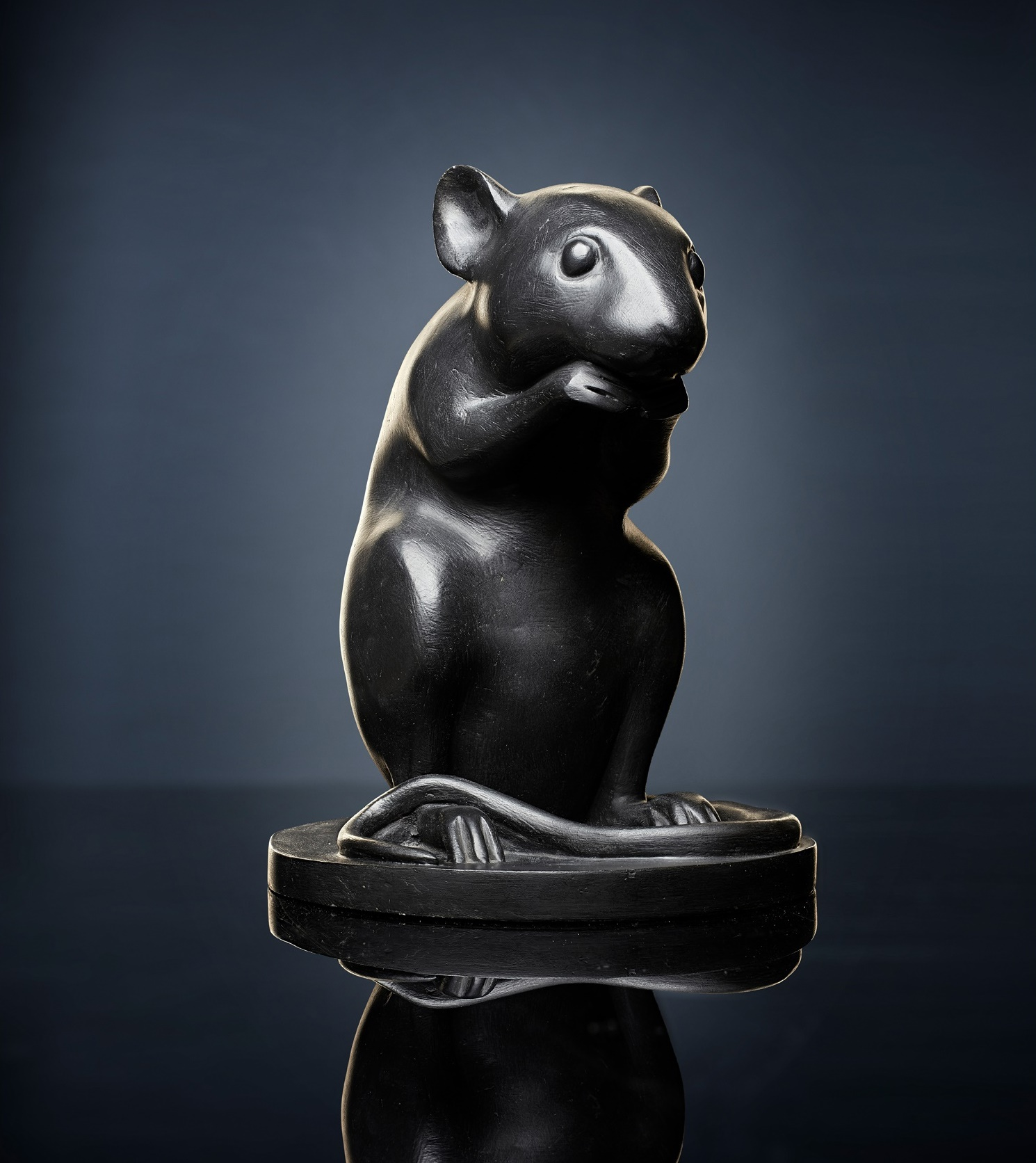 KENNY HUNTER, MONUMENT TO A MOUSE, 2012