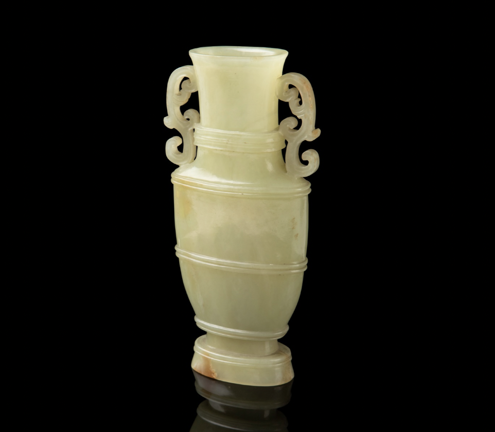 YELLOW JADE RIBBED VASE QING DYNASTY, 18TH-19TH CENTURY