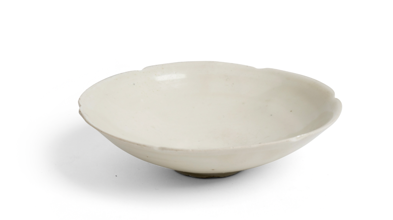 DING WARE 'FOLIATE' BOWL NORTHERN SONG DYNASTY