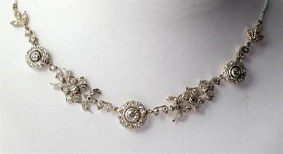 Lot 77 - An Edwardian diamond necklace