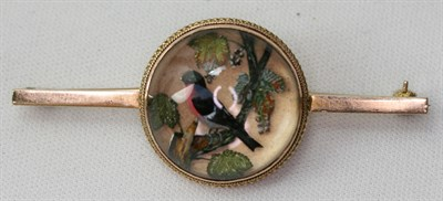 Lot 20 - An Edwardian 9ct gold mounted reverse painted crystal intaglio brooch