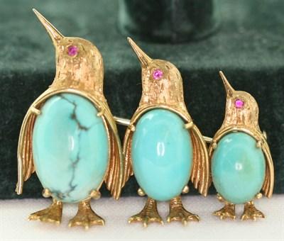 Lot 42A - An 18ct gold novelty brooch
