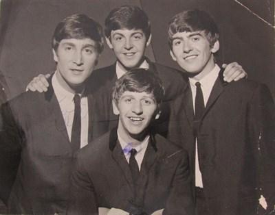 Lot 97 - Signed Photograph - The Beatles - Lennon, John - Starr, Ringo