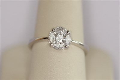 Lot 154 - An 18ct white gold mounted diamond cluster ring