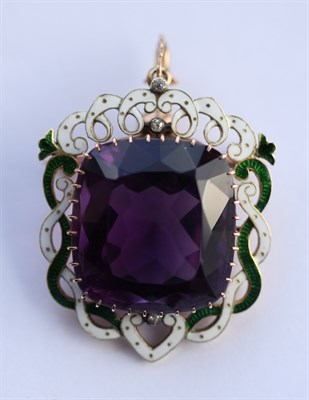 Lot 49 - SUFFRAGETTE INTEREST - A gold and enamelled amethyst pendant