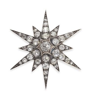 Lot 169 - A late Victorian diamond set star brooch