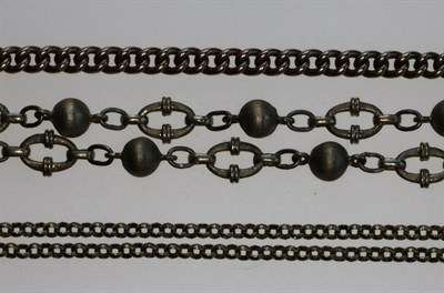 Lot 139 - Three assorted chains