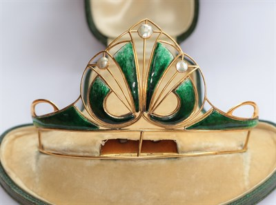Lot 35 - An early 20th century Scottish green enamel and blister pearl set tiara