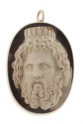 Lot 59 - An early 19th century carved hardstone cameo