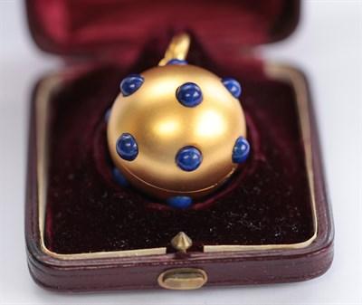 Lot 66 - A Victorian yellow metal locket