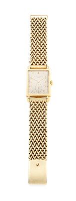 Lot 131 - VACHERON & CONSTANTIN - A gentleman's 18ct gold wristwatch
