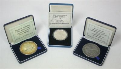 Lot 649 - Three modern commemorative medallions