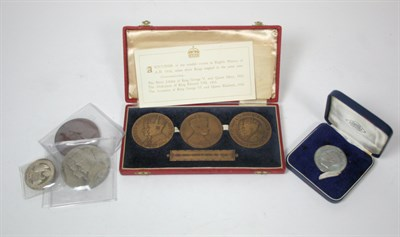 Lot 618 - A group of Royal commemorative medallions