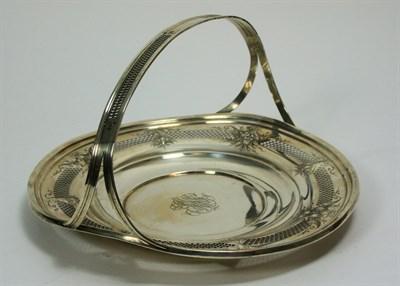 Lot 661 - An American silver basket