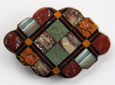 Lot 83 - A Scottish agate set brooch