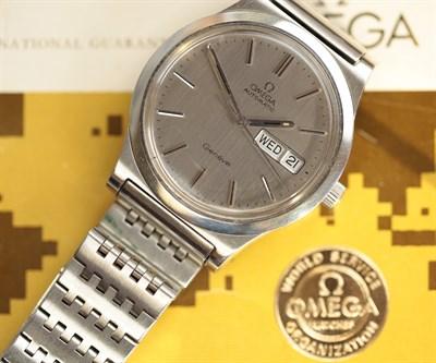 Lot 139 - OMEGA - A gentleman's Geneve wristwatch