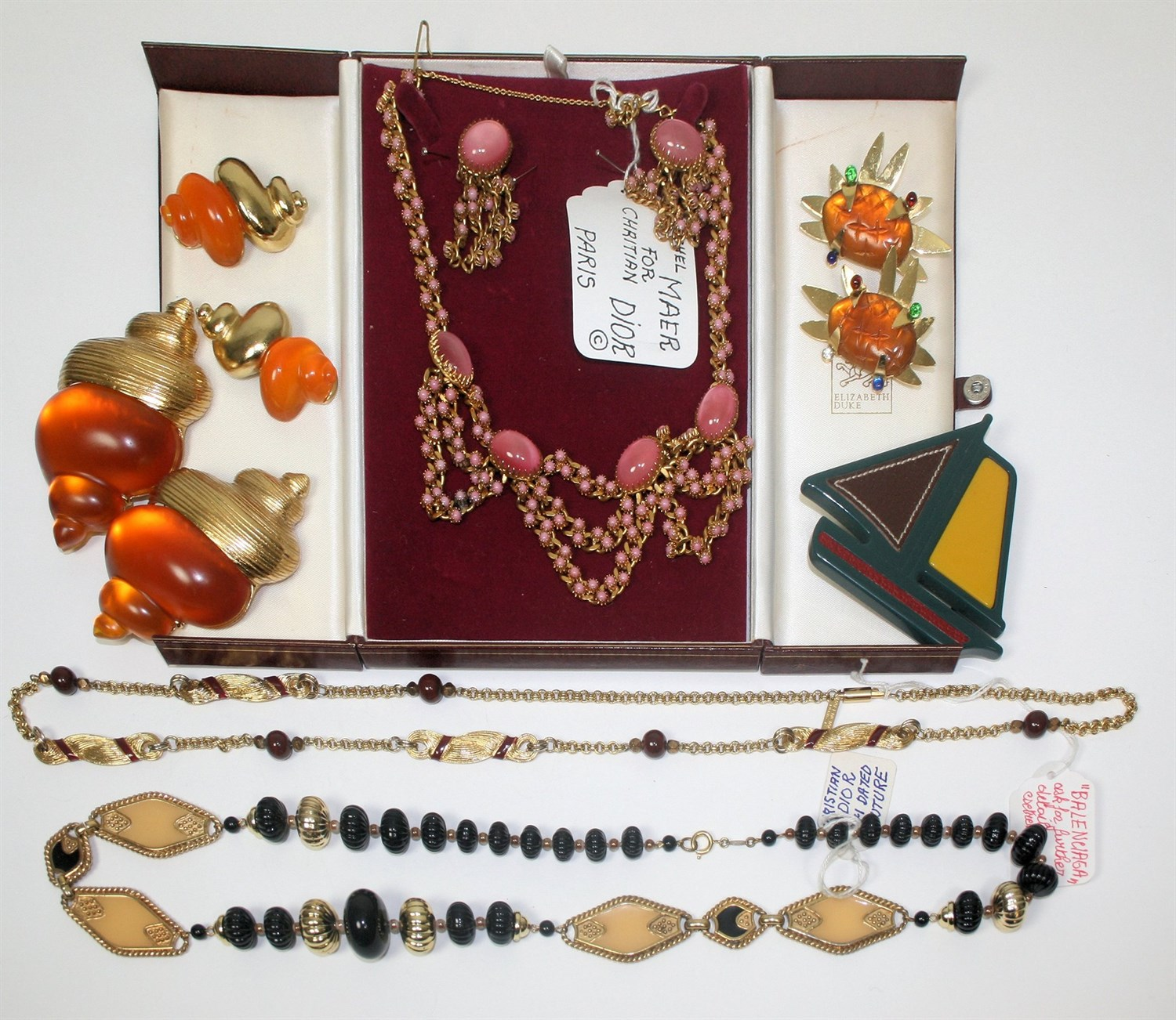 Lot 25 - CHRISTIAN DIOR - a collection of costume jewellery