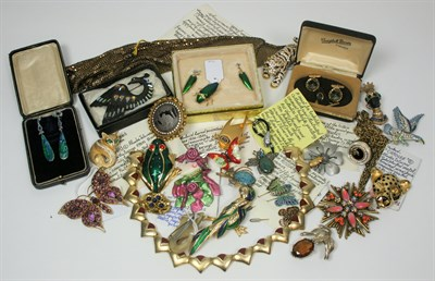 Lot 53 - A collection of costume jewellery