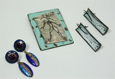 Lot 46 - A pair of white metal and enamel earrings