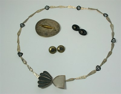 Lot 59 - A white metal and leather necklace