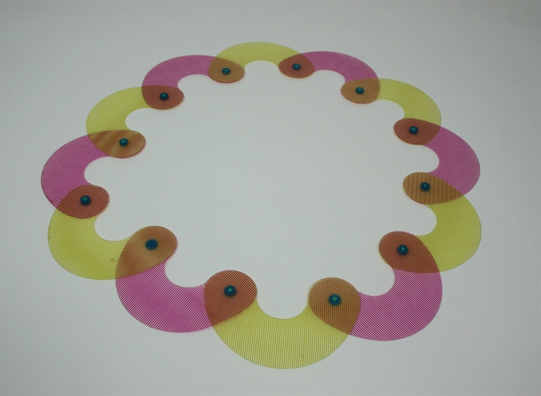 Lot 34 - NEL LINSSEN - A paper bracelet
