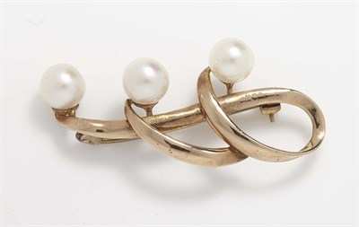 Lot 21-A modern 9ct gold mounted cultured pearl set brooch