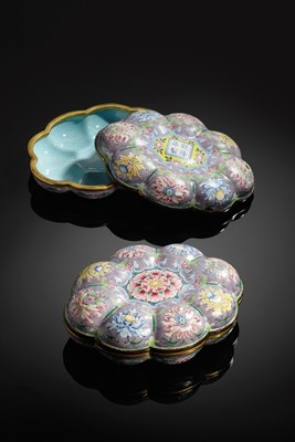 Lot 309 - PAIR OF CANTON ENAMEL FLORIFORM BOXES AND COVERS