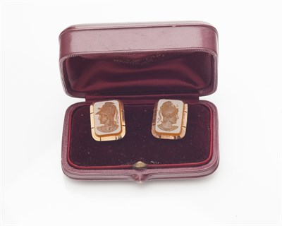 Lot 52-A pair of hardstone intaglio set cufflinks