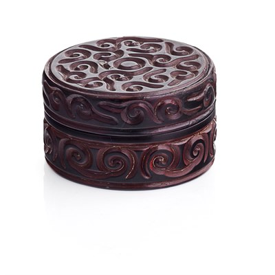 Lot 120 - CARVED GURI LACQUER BOX AND COVER