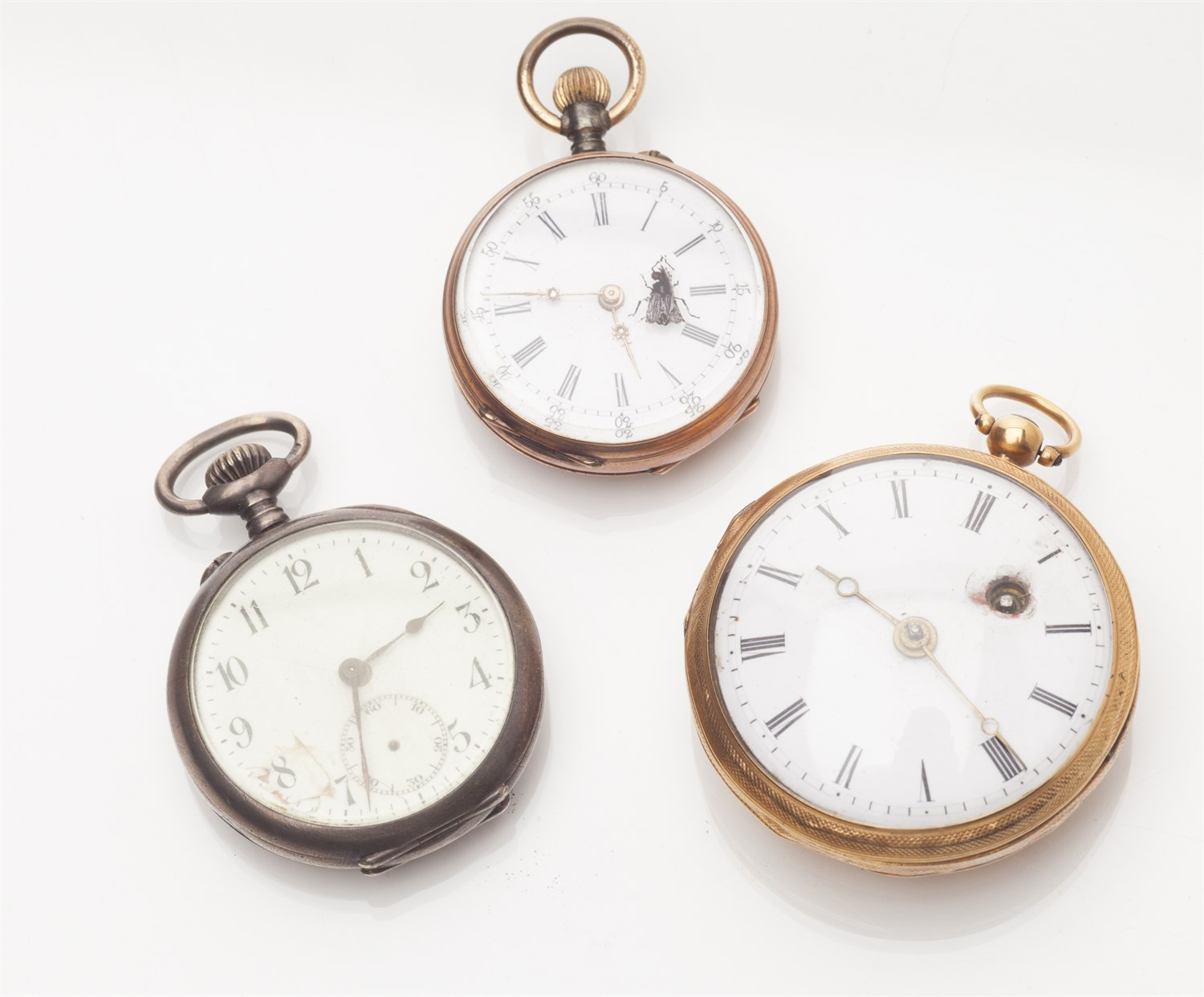 Lot 81-A small Victorian gold cased pocket watch