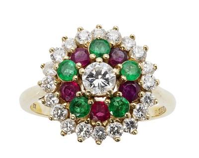 Lot 32 - A multi-gem set cluster ring