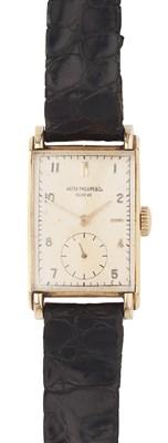 Lot 158 - PATEK PHILIPPE - A gentleman's 18ct gold cased wrist watch