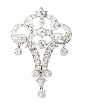 Lot 186 - An early 20th century diamond set brooch