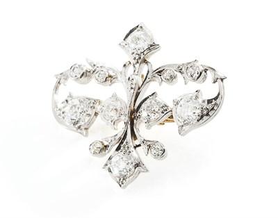 Lot 185 - A diamond set brooch