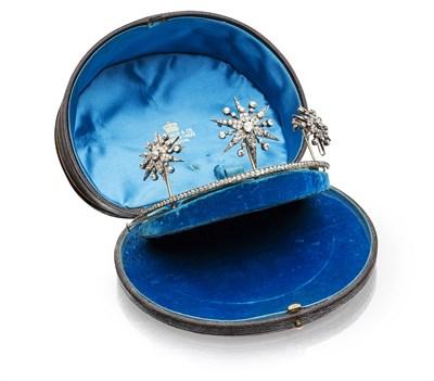Lot 19 - A late 19th century diamond set tiara