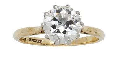 Lot 134 - A single stone diamond set ring
