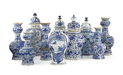Lot 53 - COLLECTION OF DUTCH BLUE AND WHITE DELFT WARES...