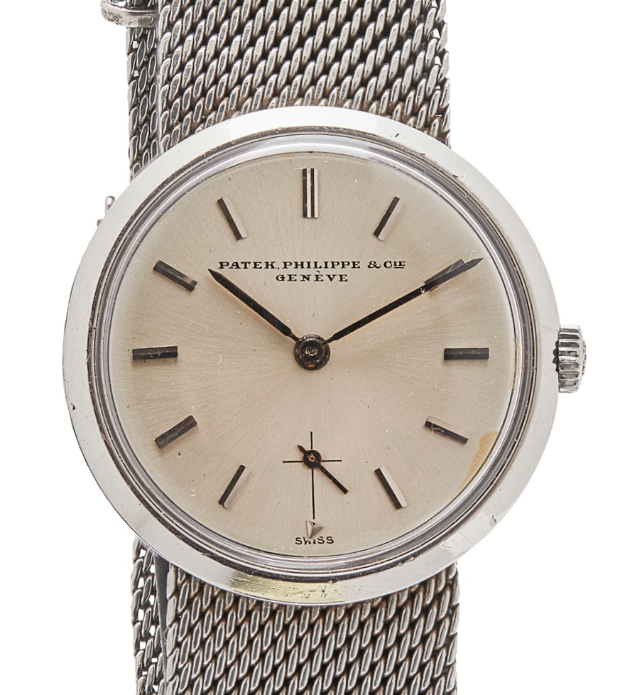 113 - PATEK PHILIPPE - A gentleman's stainless steel cased wrist watch