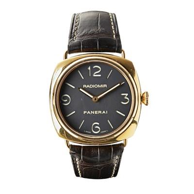 109 - PANERAI - A gentleman's 18ct rose gold wrist watch