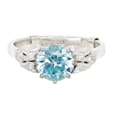 Lot 120 - A blue zircon and diamond cluster ring