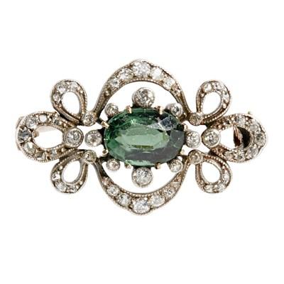 Lot 15 - A Belle Époque diamond and tourmaline brooch