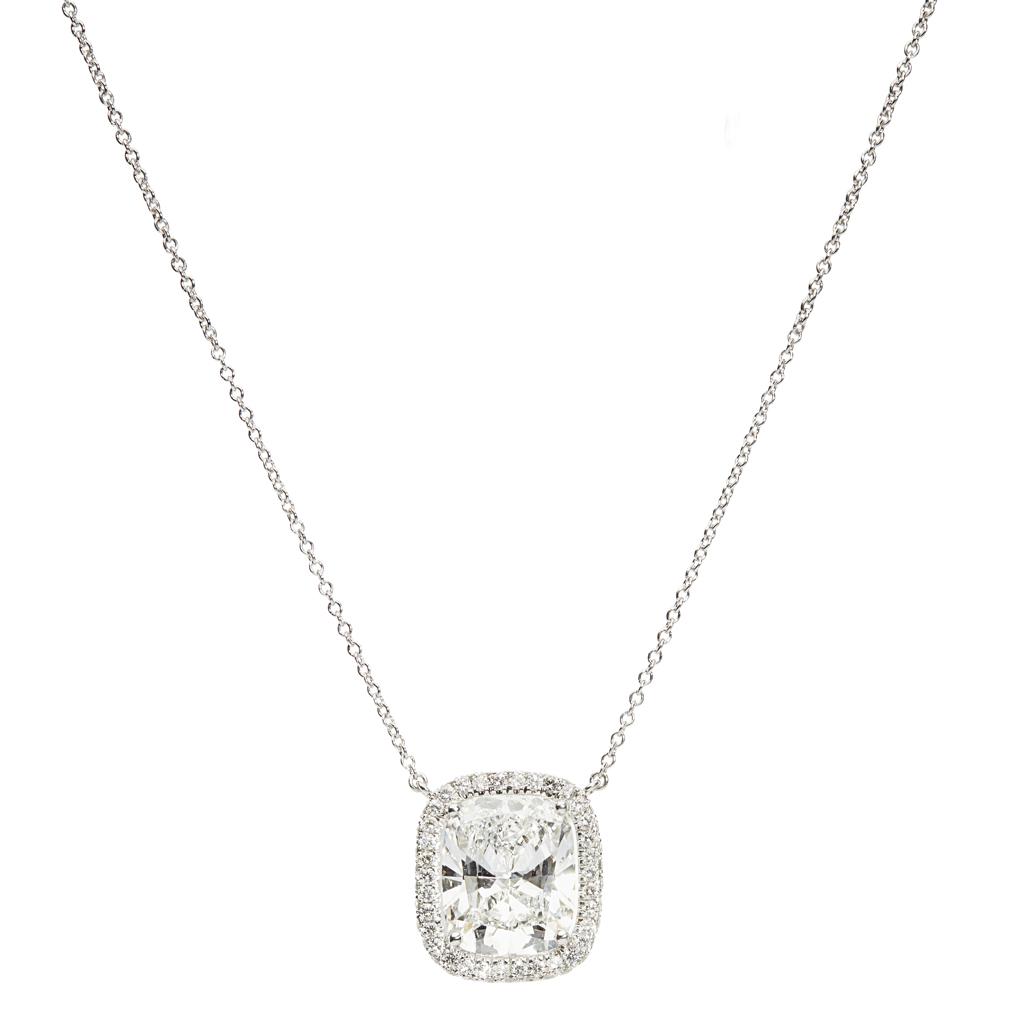 Lot 44-An impressive diamond solitaire pendant, De Beers