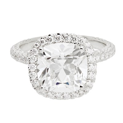 Lot 43 - An impressive diamond solitaire ring, De Beers