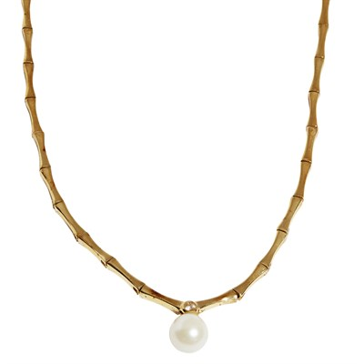 Lot 160 - A diamond and pearl set necklace